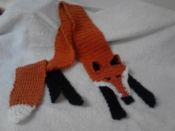 Crochet Fox Scarf|by bellamoora