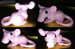 Hairless baby rat sculpt|by Zombi_Rat